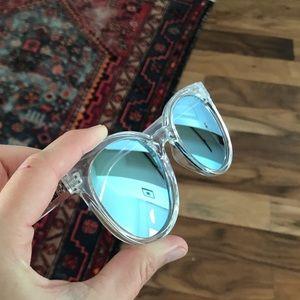 Quay Australia Mirrored Sunglasses Sunnies Cat